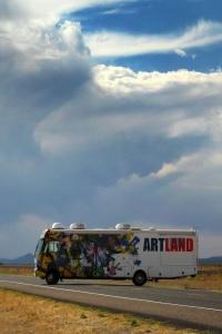 Artland: Galeria na Kółkach, odc. 1